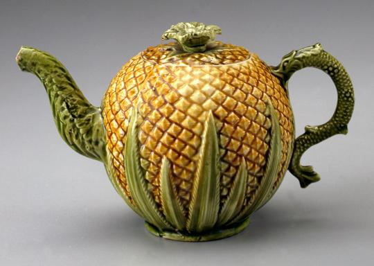 Teapot, ca. 1770 Staffordshire, England Earthenware (creamware) Photo by Gavin Ashworth