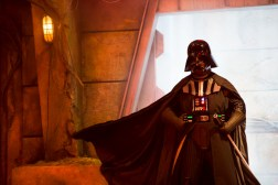 disneyland-saison-legendes-de-la-force-2019-star-wars-promo-dark-vador