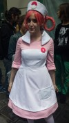 Cosplay-infirmiere-nurse-joelle-joy-pokemon-center-paris-pokeball-manga-tv-anime-streaming-legal-gratuit