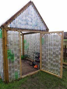 plastic bottle crafts mano mano the handy mano manomano DIY greenhouse