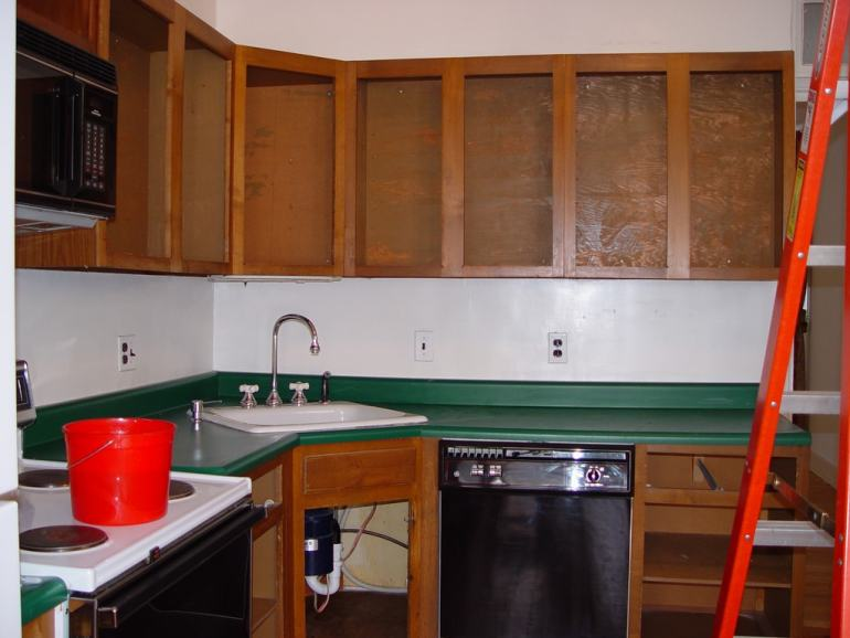 7 Ways To Redo Your Countertops Without Replacing Them the handy mano manomano mano diy do it yourself projects home improvement kitchen makeover transformation counter top before after