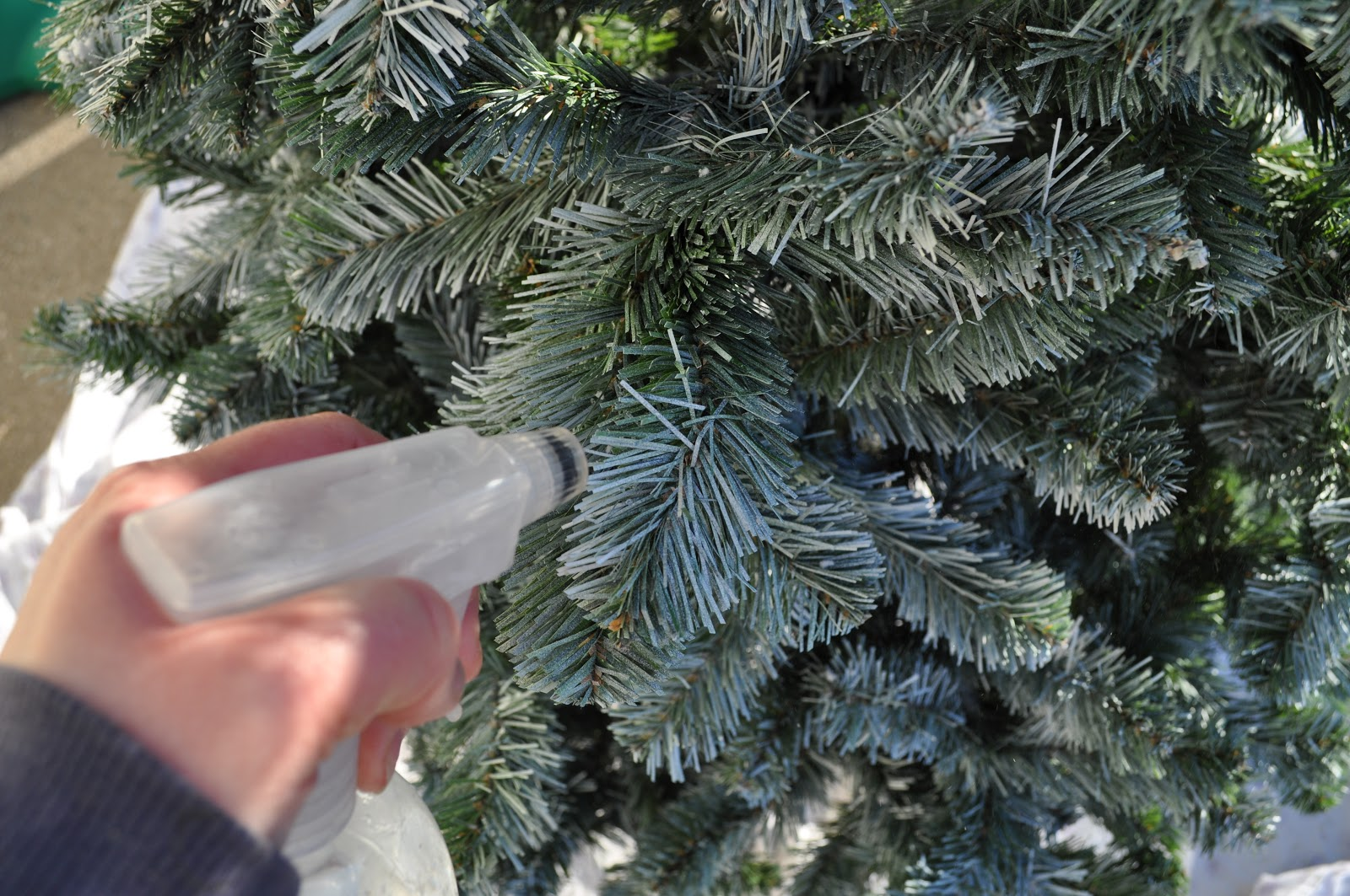 Christmas Tree Spray.8 Tips To Make Your Tree Last Longer This Christmas The