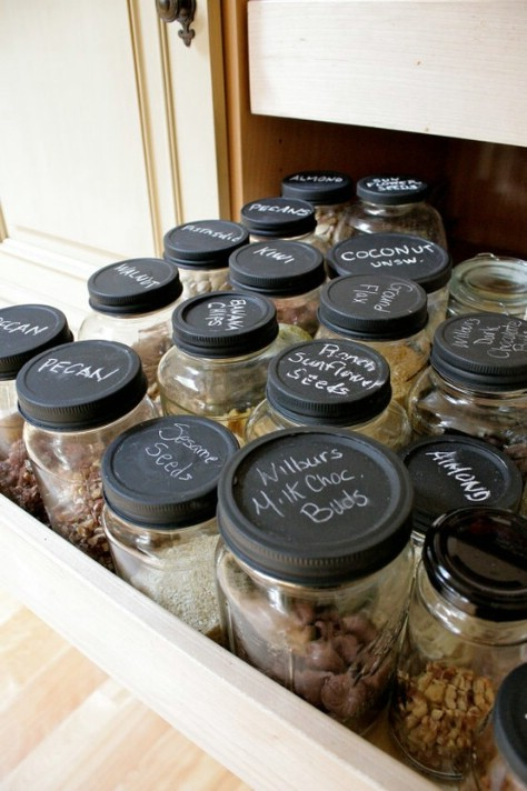 10 Clever Ways of Organising your Home the handy mano handymano manomano mano diy do it yourself projects home improvement organisation tips tricks hacks tidy chalkboard paint spice organiser