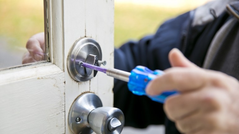 How to Secure Your Home During Winter thehandymano the handy mano manmano mano diy do it yourself protect from burglars changing locks