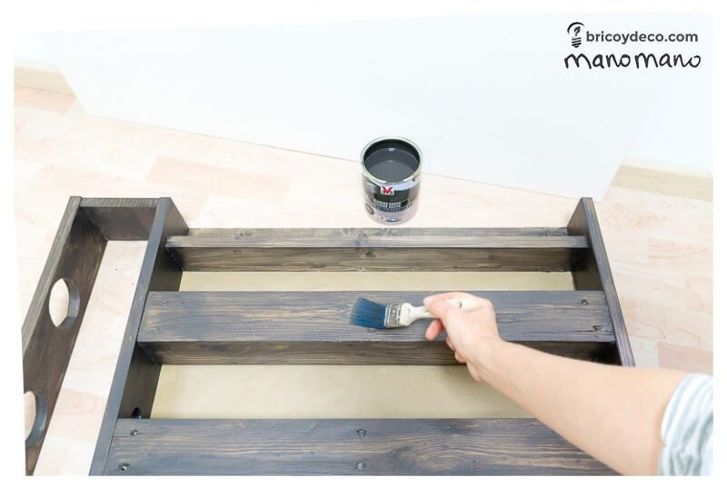 DIY Pallet painting tips the handy mano mano pallet painting tips stain brush