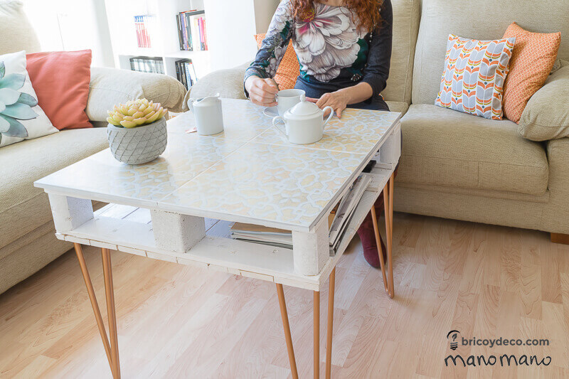 thehandymano mano mano pallet coffee table complete with succulent