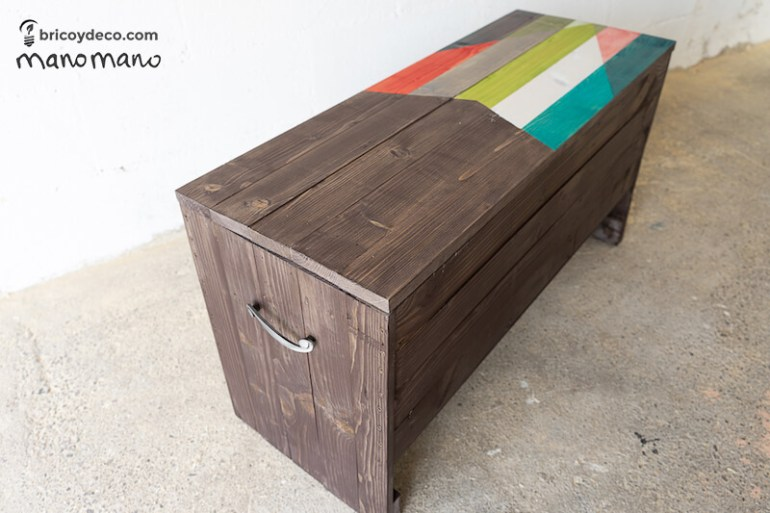 thehandymano mano Outdoor Storage Bench DIY tutorial finished