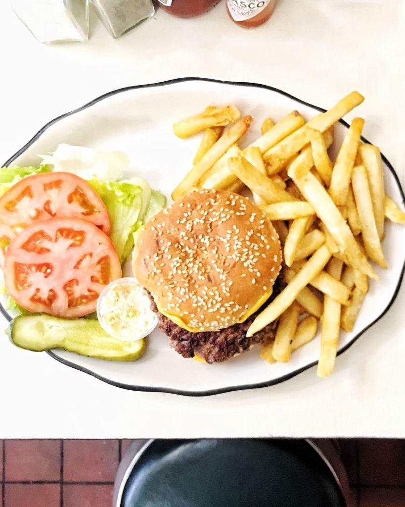 Joe Juniors cheeseburger