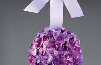 Nozze: bouquet, boutonniere sposo e decorazioni color lavanda