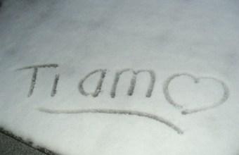 Auguri per San Valentino, ho scritto t'amo sulla neve
