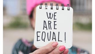 Critiche e discriminazione capitano a chiunque