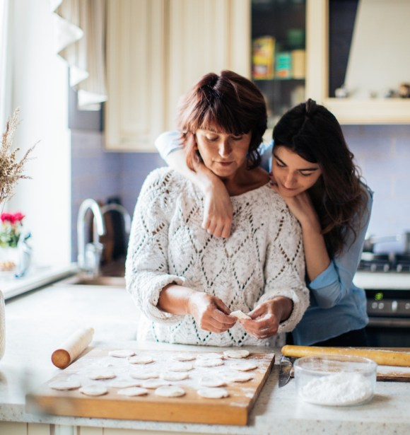etsy holiday keywords - mother and daughter baking cookies