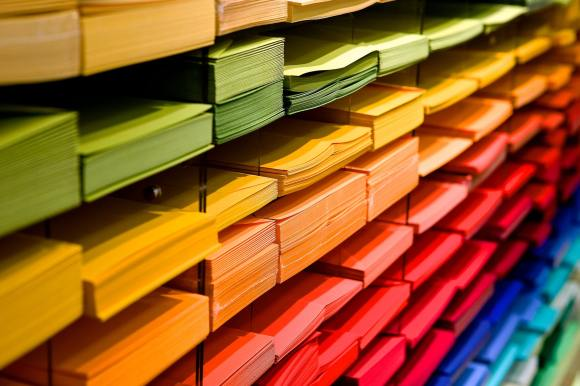Even the simplest use of colors helps define your Etsy shop branding.
