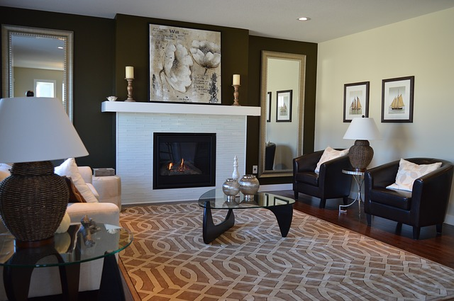 stage your home before decorating when selling a home during the holidays