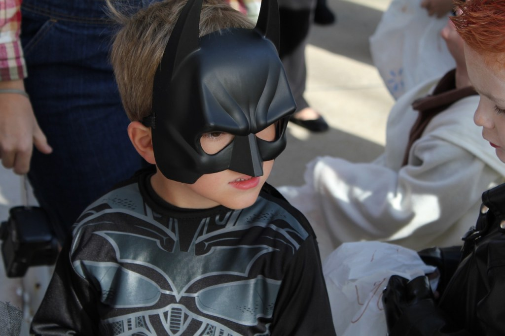 kids in costume trick or treating at fall events in erie