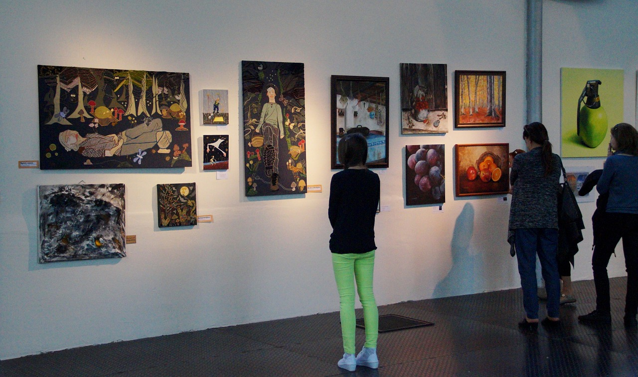 gallery stroll and fall events in erie