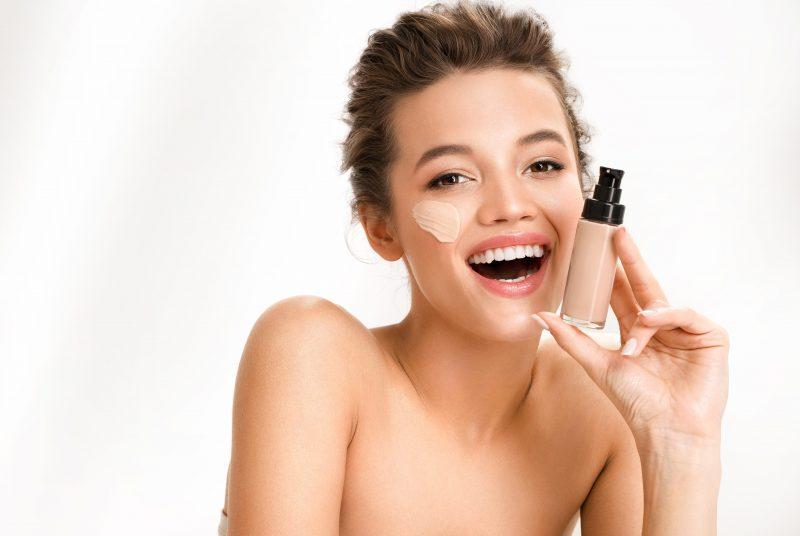 Tips Memilih Base Makeup untuk Pemula