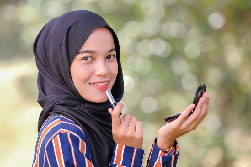 Rekomendasi Lipstik Halal Lokal
