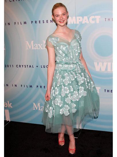09-elle-fanning-fashion-timeline - Mary.com Girl Games Blog