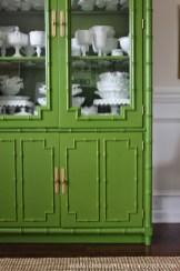 Destacando una pieza especial con verde al-andalus de Mary Paint, conseguimos este efecto tan reparador para nuestra vajilla