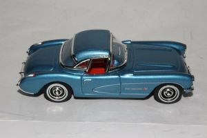 Matchbox Collectibles DYM92139 : 1957 Chevrolet Corvette