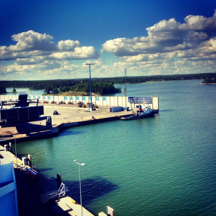 Näkemiin Suomi, laiva lähtee!