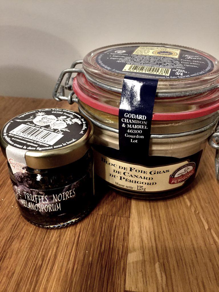 12 grammaa tryffelimurskaa kustansi reilu 10e, sitä siis säästellään juhlatilaisuuteen!