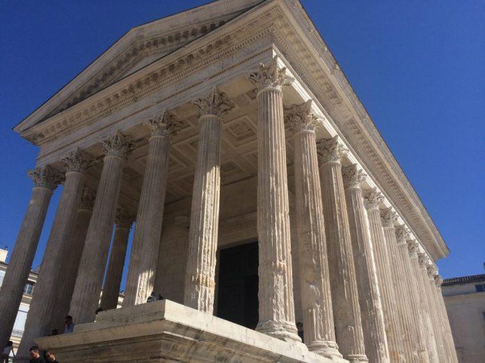 Pala roomalaisten historiaa Ranskan Nîmesissä.