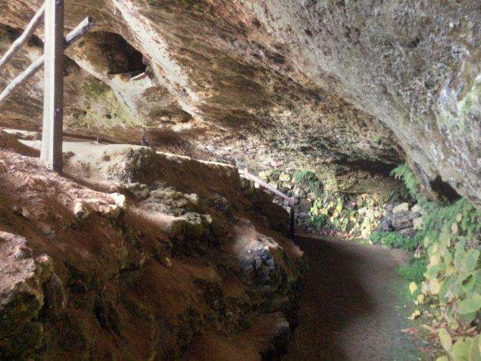Cro magnoneiden suoja kymmenien tuhansien vuosien takaa.