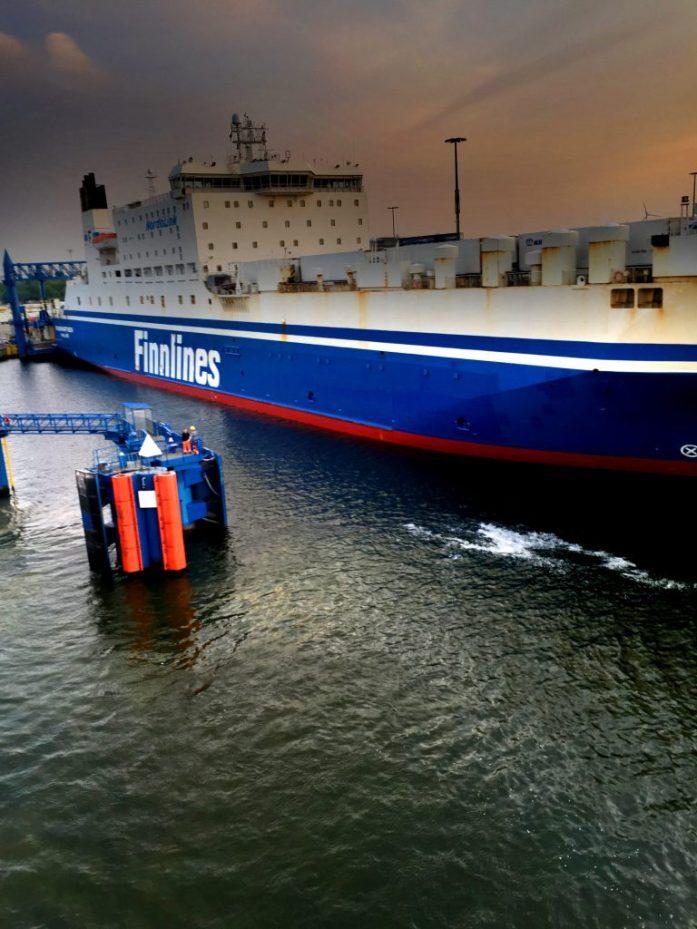 Finnlines liikennöi Helsinki - Travemünde väliä rahtilaivoilla.