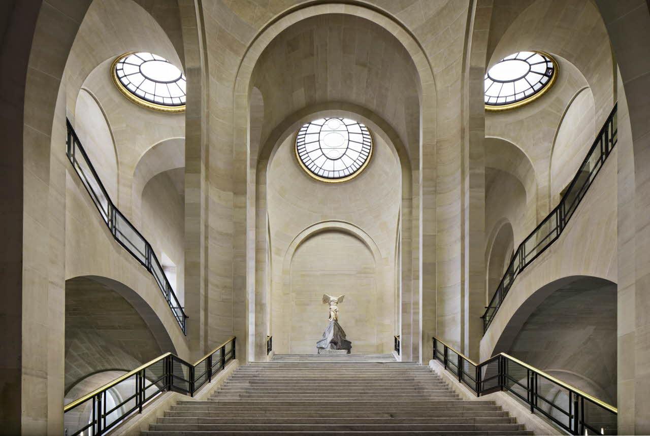 Musée du Louvre L'Escalier Daru de la Victoire de Samothrace