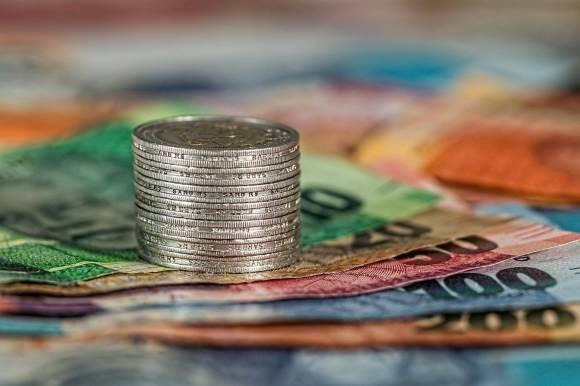 Gamification des services : photo de billets et pièces