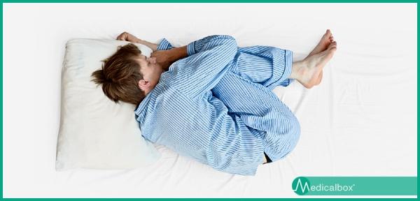 Dormire Con Il Cuscino Tra Le Gambe.Come Dormire Se Si Soffre Di Mal Di Schiena Lombare E Dorsale