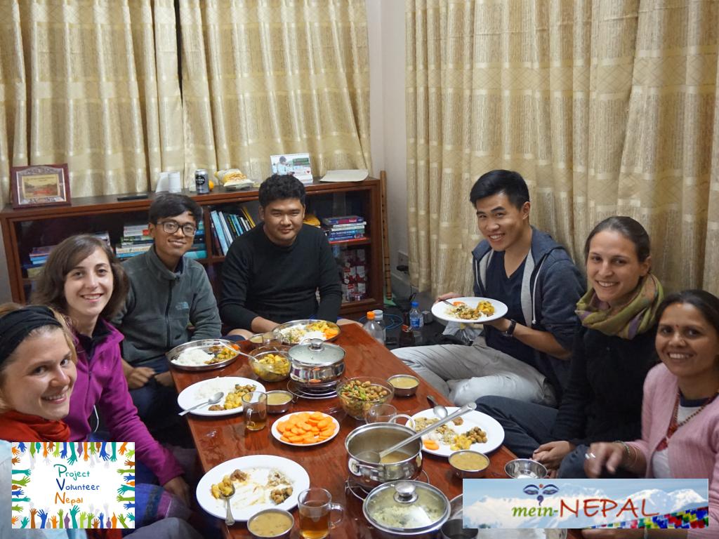 Traditionelles nepalesische Essen erwartet euch bei uns.