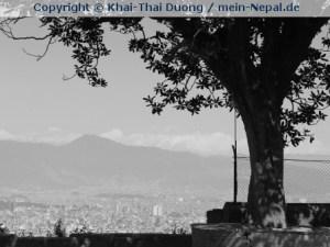 Nepal ist farblos geworden.