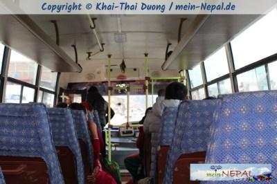 Mit dem Bus von der Baglung Kreuzung nach Kande.