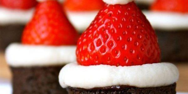 Gâteaux avec bonnets de Noël