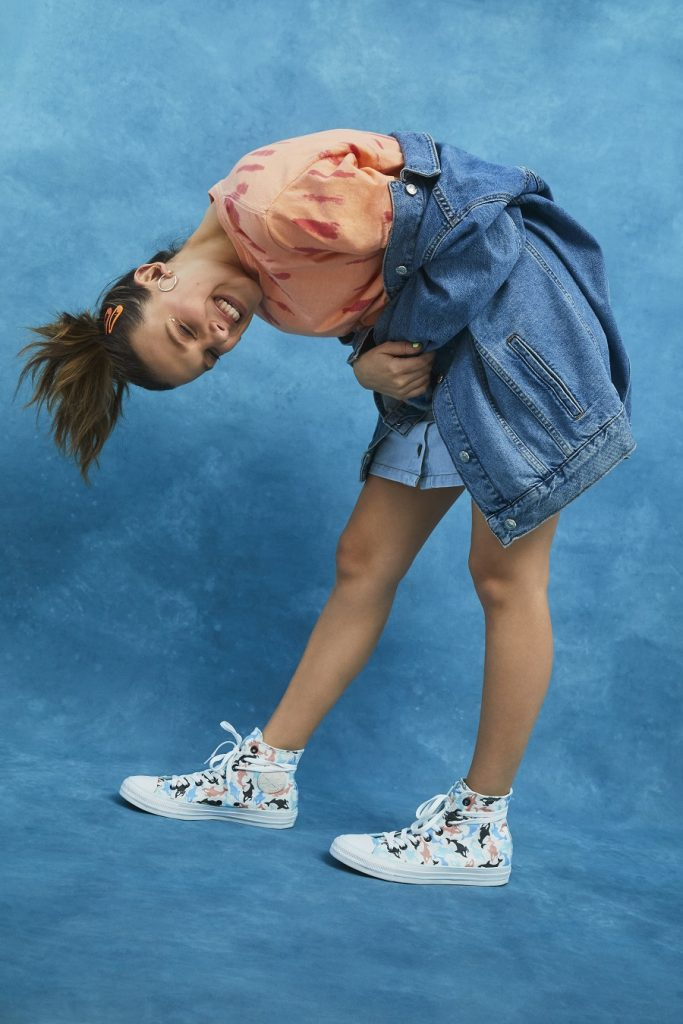 millie bobby brown converse all star