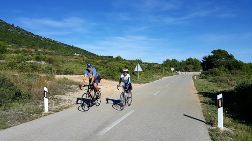 Cycling on Vis