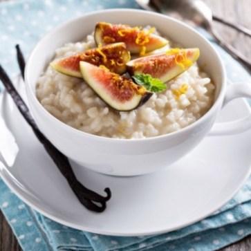 hoy toca receta de Pudding de arroz y cacahuete con higos