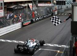 Für Niki: Mercedes-AMG Petronas Motorsport gewinnt den Großen Preis von Monaco