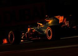 Mercedes-AMG Petronas Motorsport führt die Zeitenlisten am Freitag auf dem Yas Marina Circuit an