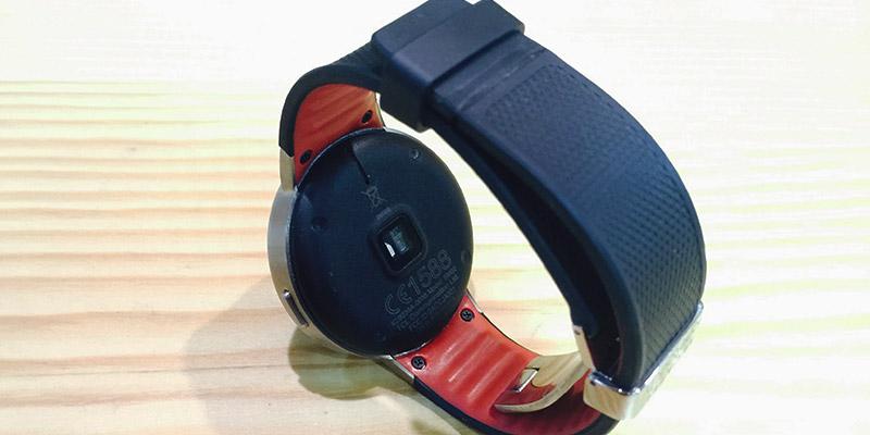 Alcatel Watch - zadní strana (diody)
