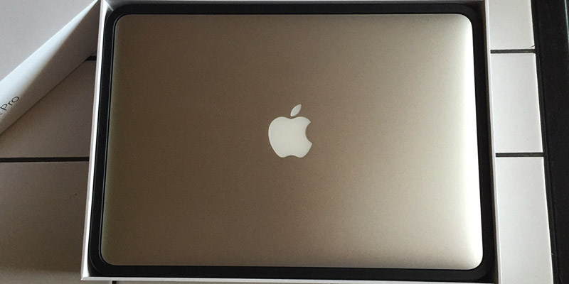 MacBook Pro Retina - Cítíte tu vůni, ten feel? :D