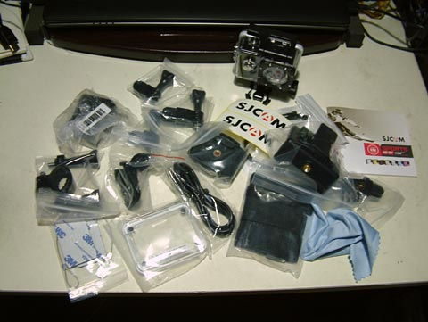 カメラ本体を含めて19種類の物が入ってます!