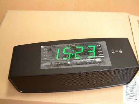操作パネルに時計が内蔵されています。
