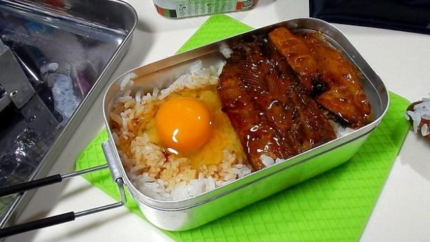 「TKG & さんまの蒲焼き丼」の完成形でございますw