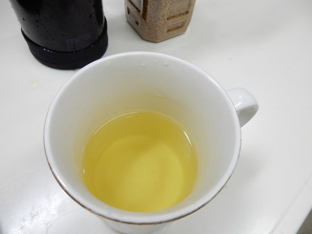 お湯を注いで約30秒。色と香りが良いです!