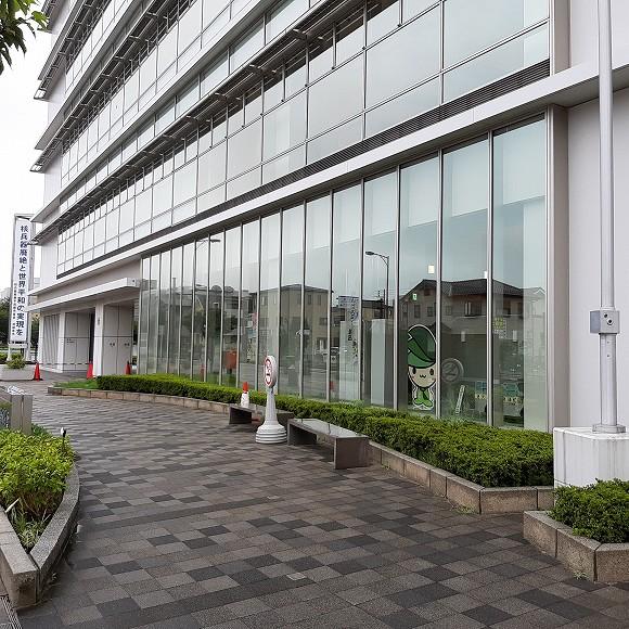 集団接種会場はこの建物の1階です。