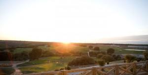 Desde la terraza podemos ver la salida del 10 y gran parte del campo